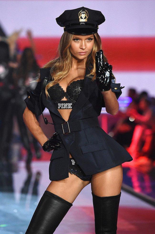 Điểm mặt chỉ tên cả thảy 54 chân dài sẽ sải bước tại Victorias Secret Fashion Show sắp tới - Ảnh 12.