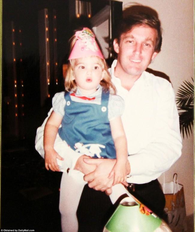 Donald Trump từng thay tã cho con, một hình ảnh hoàn toàn khác về tân Tổng thống Mỹ - Ảnh 13.