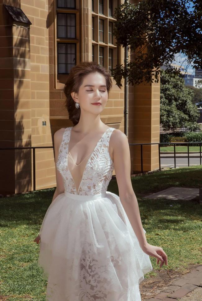 Ngọc Trinh xinh như công chúa trong bộ ảnh thực hiện tại Úc - Ảnh 2.
