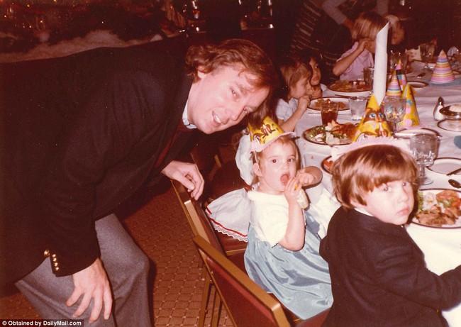 Donald Trump từng thay tã cho con, một hình ảnh hoàn toàn khác về tân Tổng thống Mỹ - Ảnh 15.