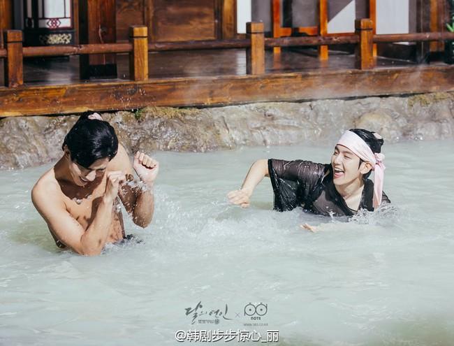 Moon Lovers: Hoàng tử Lee Jun Ki có vượt qua cái bóng Ngô Kỳ Long, IU có làm nên chuyện? - Ảnh 21.