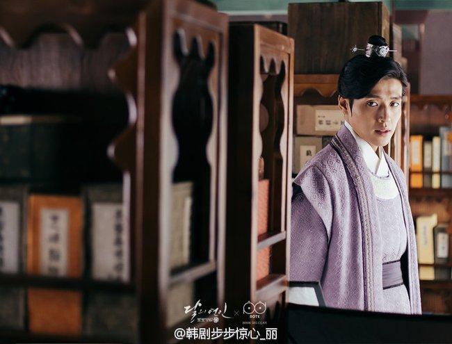 Moon Lovers: Hoàng tử Lee Jun Ki có vượt qua cái bóng Ngô Kỳ Long, IU có làm nên chuyện? - Ảnh 17.