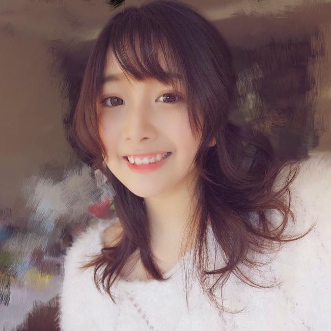 Cô bạn Trung Quốc với nụ cười răng khểnh xinh chả khác gì búp bê - Ảnh 3.