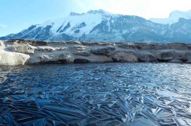 Sóng biển đóng băng và 13 khoảnh khắc kỳ diệu không phải ai cũng được nhìn thấy - Ảnh 13.