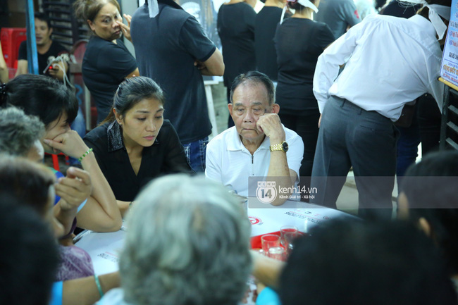 Cập nhật: Sao Việt đau buồn đến viếng tang lễ nghệ sĩ Minh Thuận - Ảnh 9.
