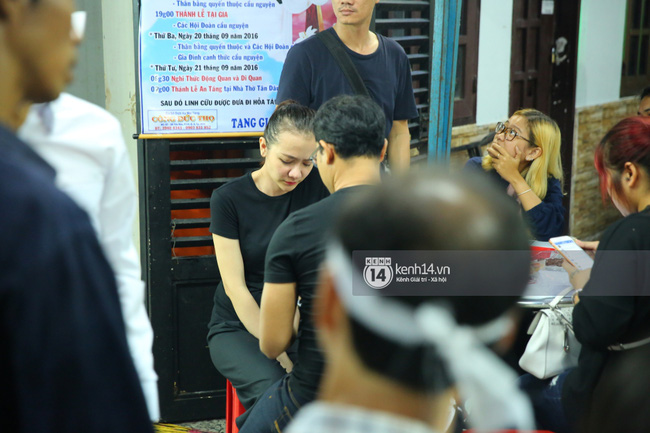 Cập nhật: Sao Việt đau buồn đến viếng tang lễ nghệ sĩ Minh Thuận - Ảnh 3.