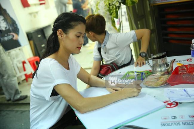 Cập nhật: Sao Việt đau buồn đến viếng tang lễ nghệ sĩ Minh Thuận - Ảnh 7.