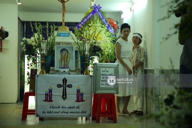 Cập nhật: Sao Việt đau buồn đến viếng tang lễ nghệ sĩ Minh Thuận - Ảnh 5.