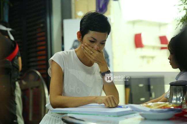 Cập nhật: Sao Việt đau buồn đến viếng tang lễ nghệ sĩ Minh Thuận - Ảnh 6.