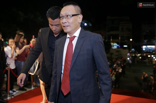 Dàn sao Việt diện váy áo lộng lẫy trên thảm đỏ VTV Awards 2016 - Ảnh 5.