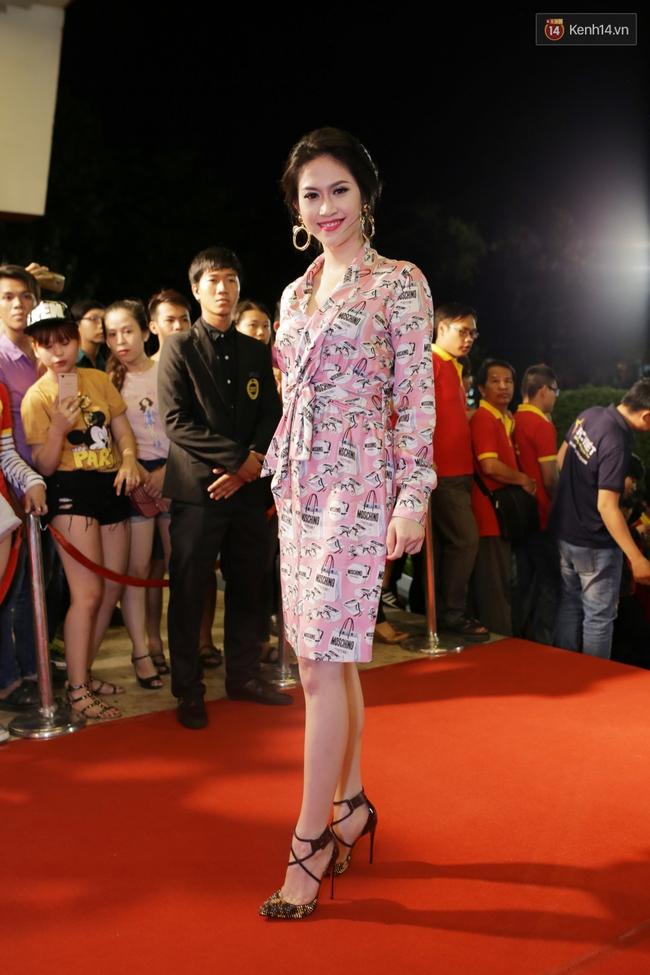 Dàn sao Việt diện váy áo lộng lẫy trên thảm đỏ VTV Awards 2016 - Ảnh 20.
