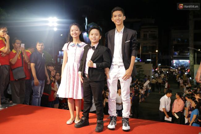 Dàn sao Việt diện váy áo lộng lẫy trên thảm đỏ VTV Awards 2016 - Ảnh 23.