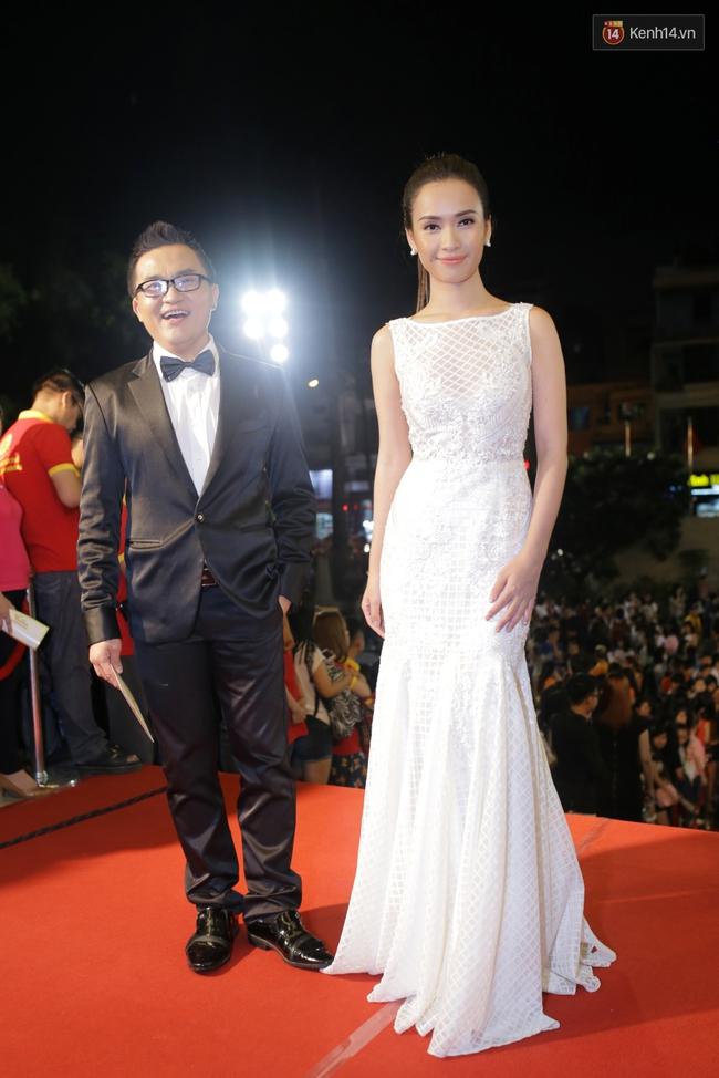 Dàn sao Việt diện váy áo lộng lẫy trên thảm đỏ VTV Awards 2016 - Ảnh 11.