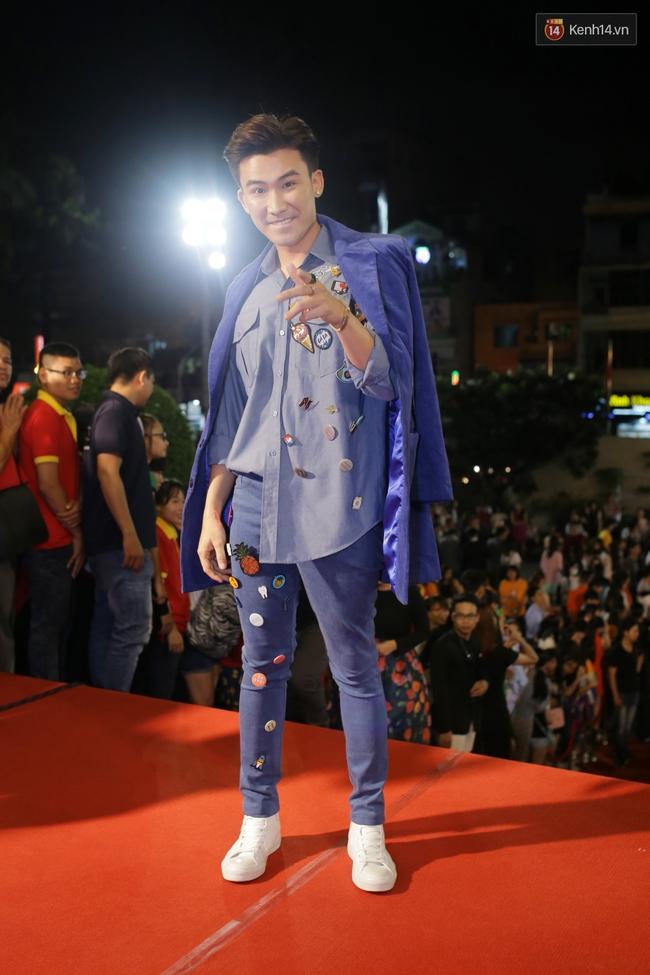 Dàn sao Việt diện váy áo lộng lẫy trên thảm đỏ VTV Awards 2016 - Ảnh 16.