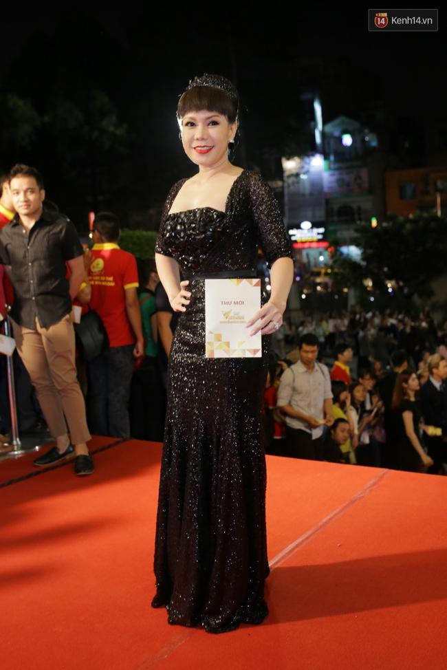 Dàn sao Việt diện váy áo lộng lẫy trên thảm đỏ VTV Awards 2016 - Ảnh 9.