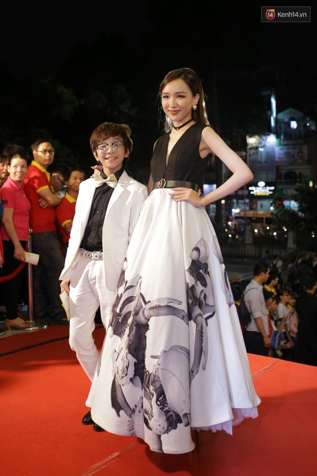 Dàn sao Việt diện váy áo lộng lẫy trên thảm đỏ VTV Awards 2016 - Ảnh 19.
