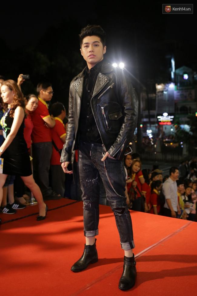 Dàn sao Việt diện váy áo lộng lẫy trên thảm đỏ VTV Awards 2016 - Ảnh 2.