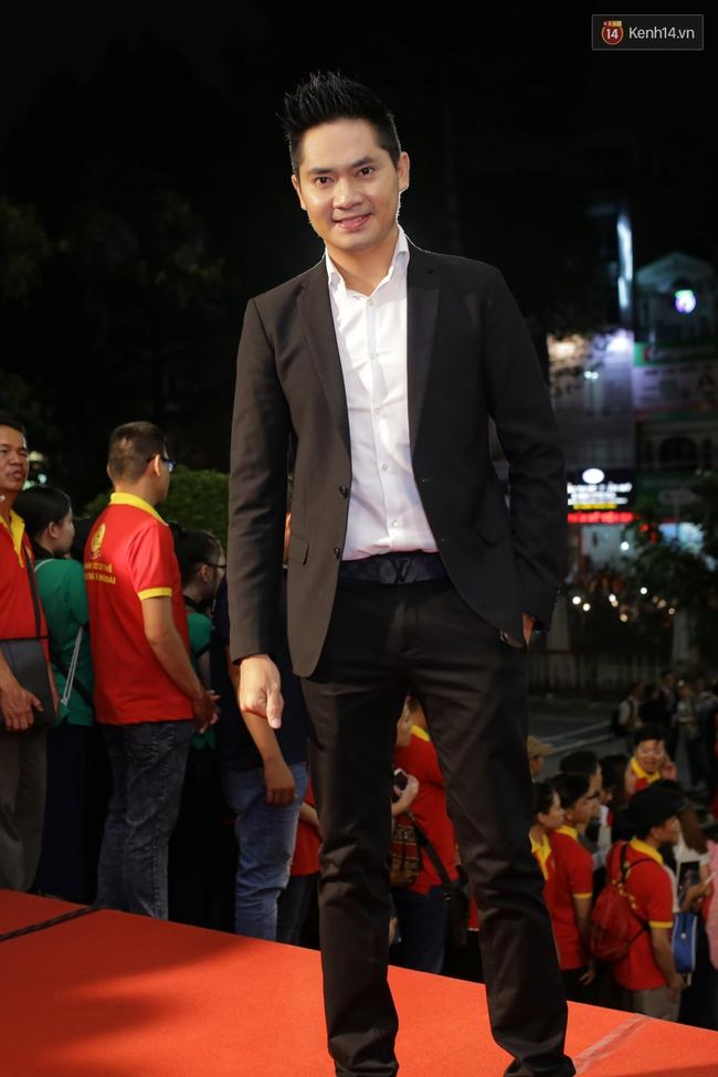 Dàn sao Việt diện váy áo lộng lẫy trên thảm đỏ VTV Awards 2016 - Ảnh 22.