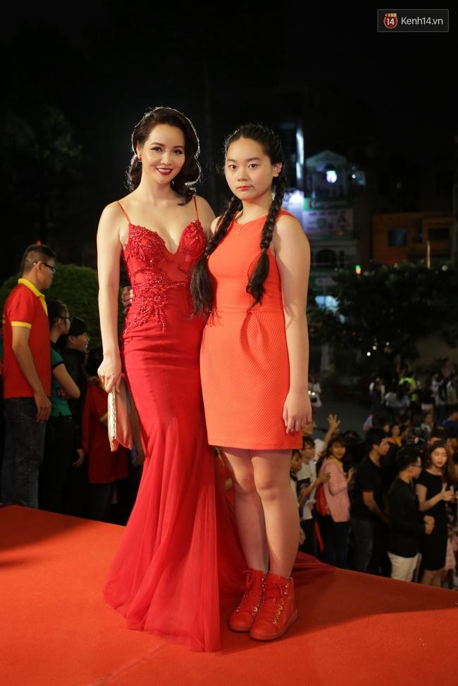 Dàn sao Việt diện váy áo lộng lẫy trên thảm đỏ VTV Awards 2016 - Ảnh 12.
