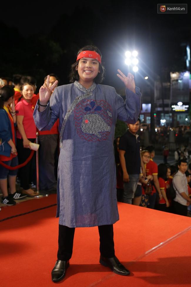 Dàn sao Việt diện váy áo lộng lẫy trên thảm đỏ VTV Awards 2016 - Ảnh 24.
