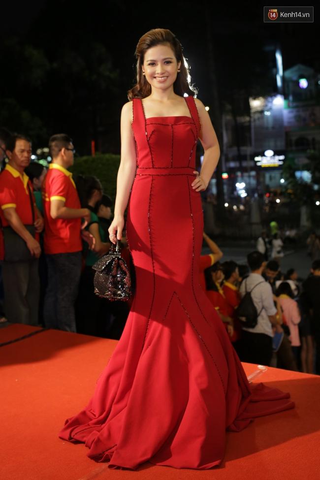 Dàn sao Việt diện váy áo lộng lẫy trên thảm đỏ VTV Awards 2016 - Ảnh 13.