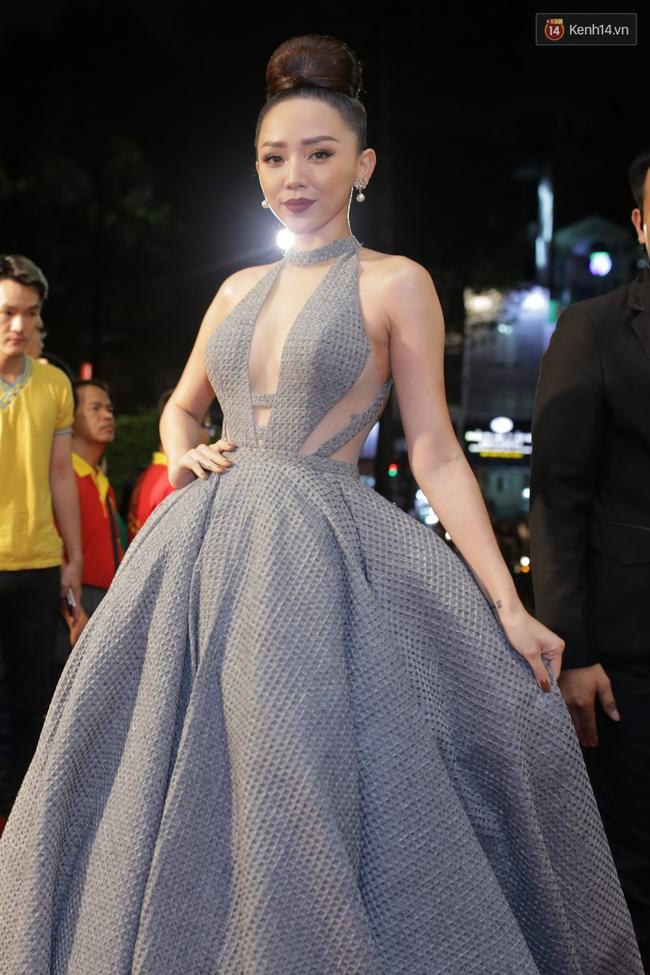 Dàn sao Việt diện váy áo lộng lẫy trên thảm đỏ VTV Awards 2016 - Ảnh 3.