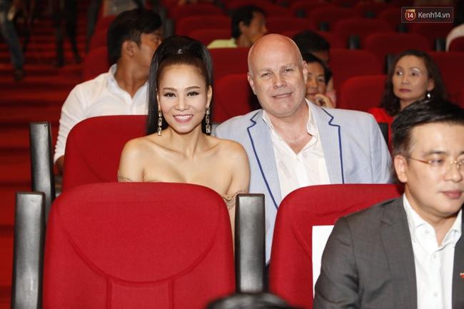 Dàn sao Việt diện váy áo lộng lẫy trên thảm đỏ VTV Awards 2016 - Ảnh 10.
