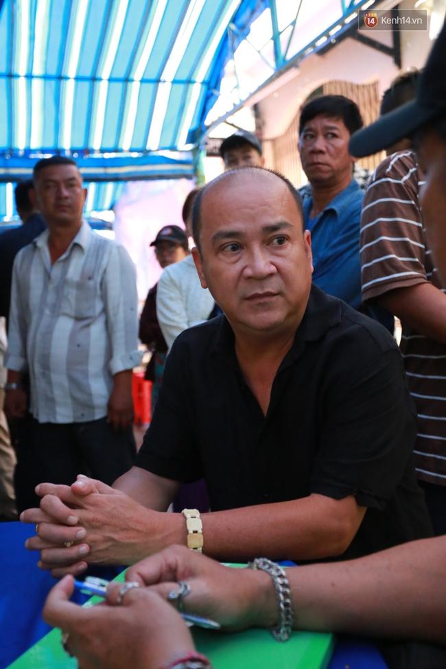 Nghệ sĩ Hoài Linh, Quang Vinh và sao Việt viếng lễ tang của Minh Thuận ngày cuối - Ảnh 17.