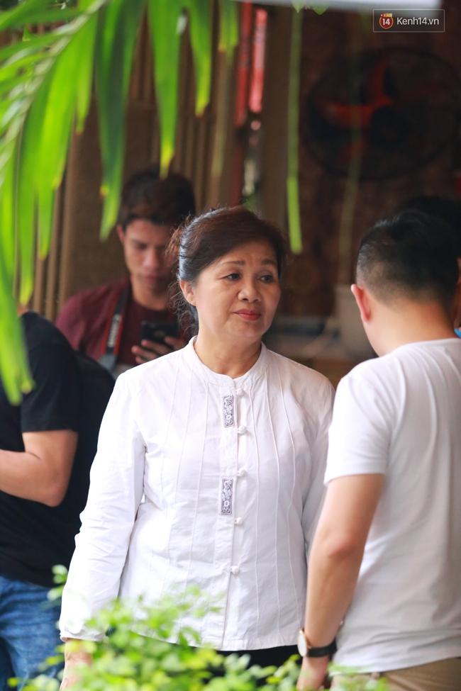 Nghệ sĩ Hoài Linh, Quang Vinh và sao Việt viếng lễ tang của Minh Thuận ngày cuối - Ảnh 23.