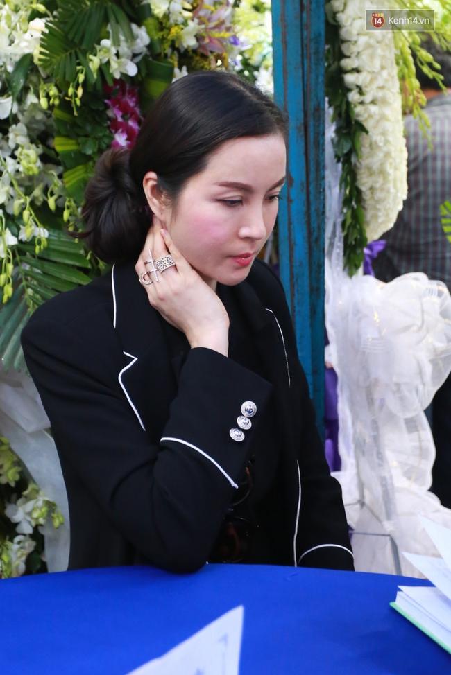 Nghệ sĩ Hoài Linh, Quang Vinh và sao Việt viếng lễ tang của Minh Thuận ngày cuối - Ảnh 15.