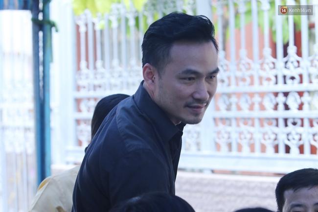 Nghệ sĩ Hoài Linh, Quang Vinh và sao Việt viếng lễ tang của Minh Thuận ngày cuối - Ảnh 6.