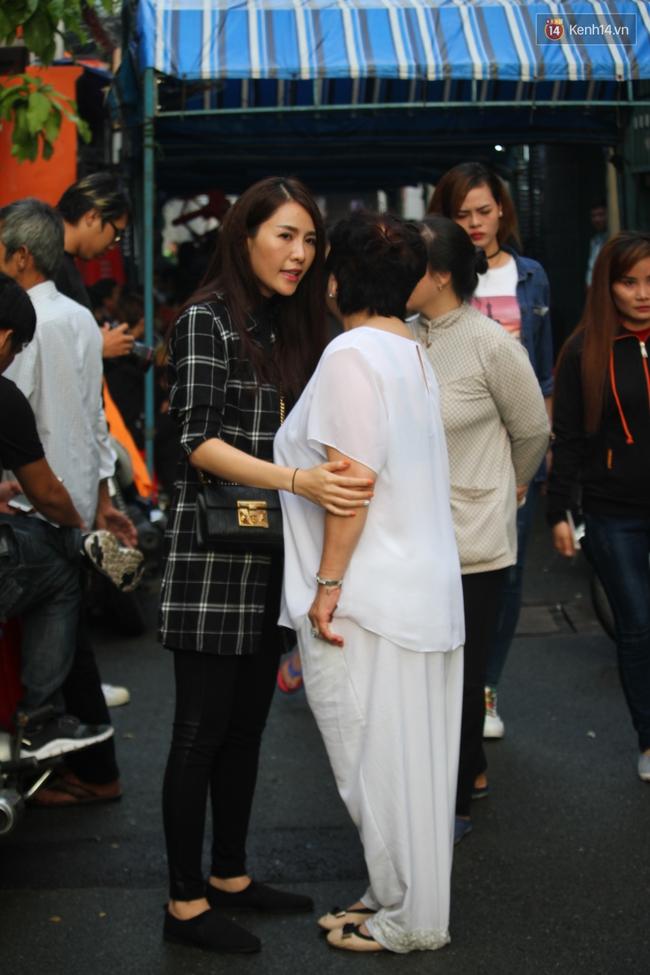 Bố Minh Thuận, Nhật Hào bật khóc xúc động trong tang lễ - Ảnh 7.