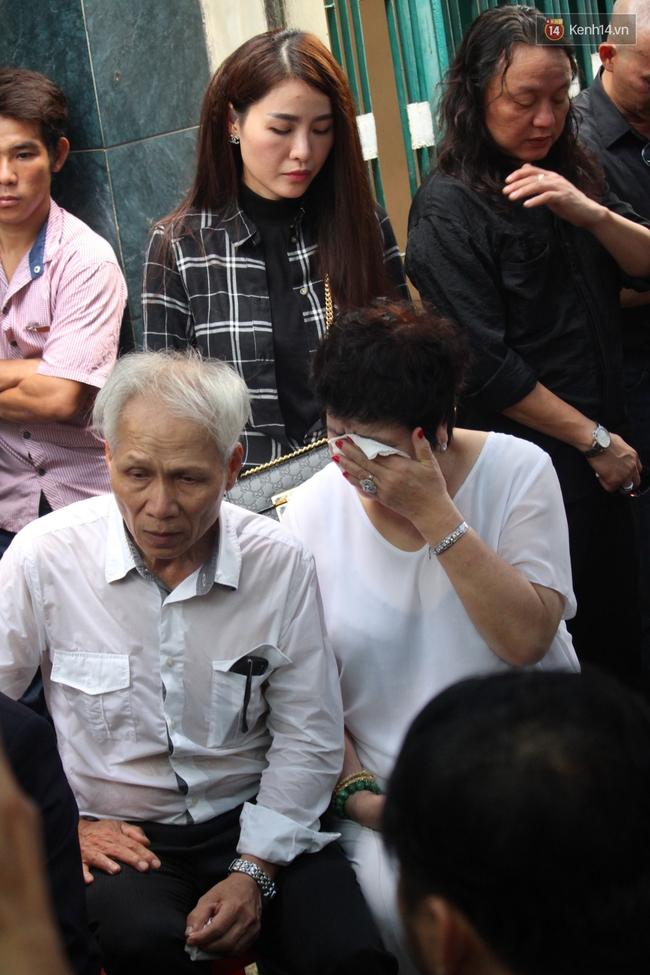 Bố Minh Thuận, Nhật Hào bật khóc xúc động trong tang lễ - Ảnh 20.