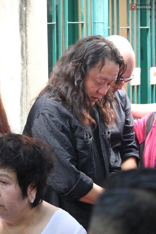 Bố Minh Thuận, Nhật Hào bật khóc xúc động trong tang lễ - Ảnh 12.