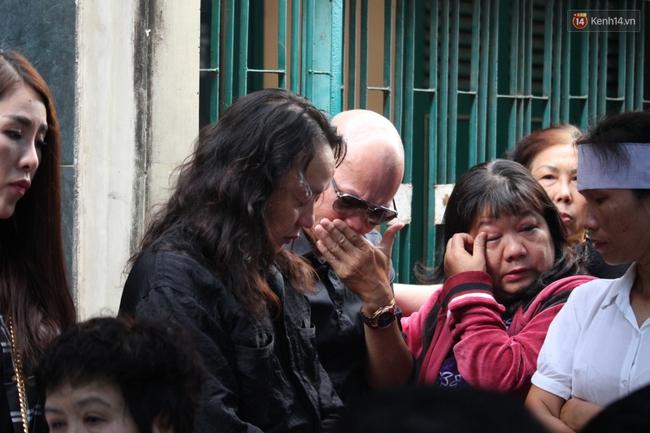 Bố Minh Thuận, Nhật Hào bật khóc xúc động trong tang lễ - Ảnh 13.