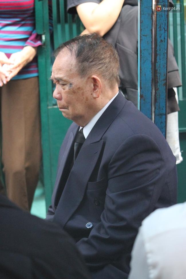 Bố Minh Thuận, Nhật Hào bật khóc xúc động trong tang lễ - Ảnh 17.