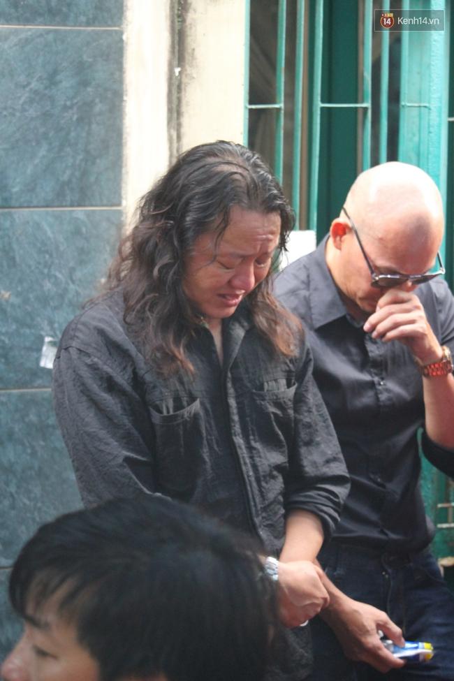 Bố Minh Thuận, Nhật Hào bật khóc xúc động trong tang lễ - Ảnh 15.