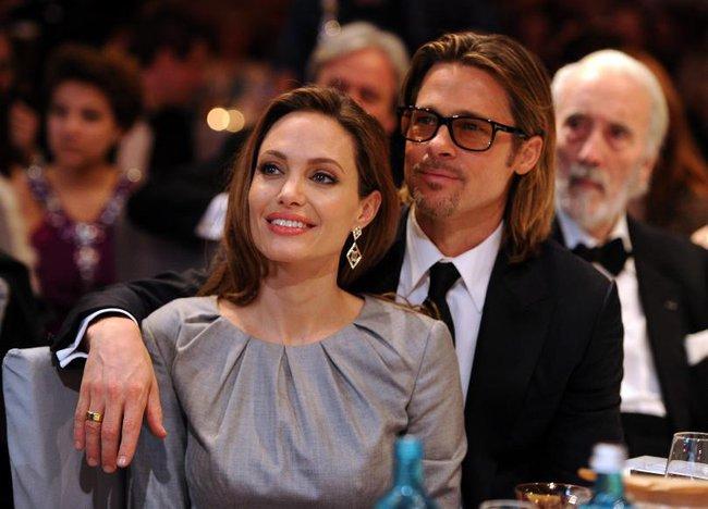 Angelina Jolie sút 4kg, rơi vào trạng thái khủng hoảng nghiêm trọng hậu ly hôn - Ảnh 2.