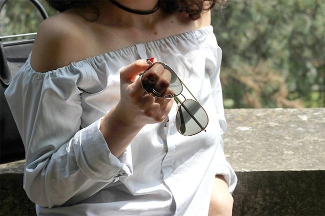 Học cách cắt áo sơ mi của bố thành áo lệch vai sexy ngày hè - Ảnh 11.
