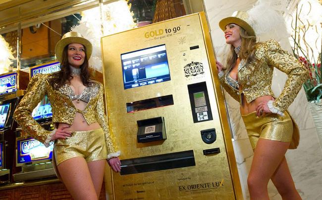 11 thứ kì quái bạn có thể rút được từ... cây ATM - Ảnh 1.