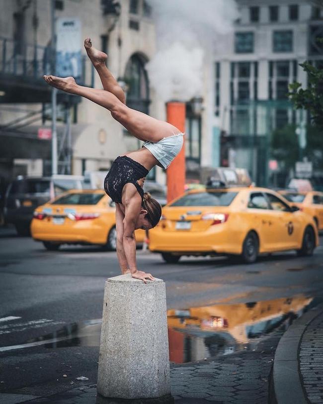 Đắm chìm vào vũ điệu đường phố qua bộ ảnh múa ballet của những nghệ sĩ không chuyên - Ảnh 6.