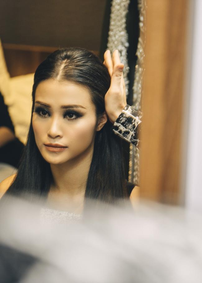 Đông Nhi quyến rũ tại EMA 2016, trả lời phỏng vấn cho kênh MTV Asia - Ảnh 16.