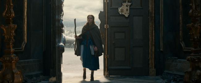 Beauty and the Beast tung trailer đầu tiên đầy lung linh và tráng lệ - Ảnh 1.