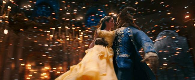 Beauty and the Beast tung trailer đầu tiên đầy lung linh và tráng lệ - Ảnh 4.
