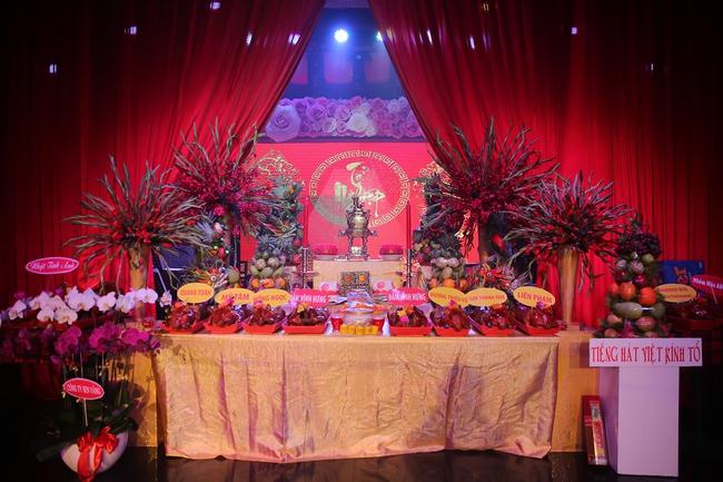 Đàm Vĩnh Hưng lần đầu làm chủ xị lễ giỗ Tổ sân khấu sau 20 năm ca hát - Ảnh 8.