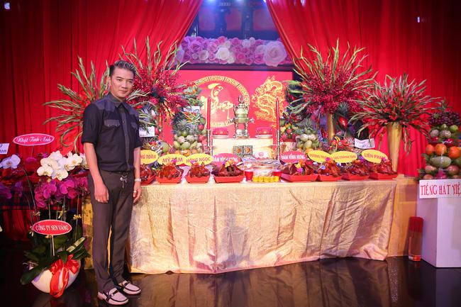 Đàm Vĩnh Hưng lần đầu làm chủ xị lễ giỗ Tổ sân khấu sau 20 năm ca hát - Ảnh 3.