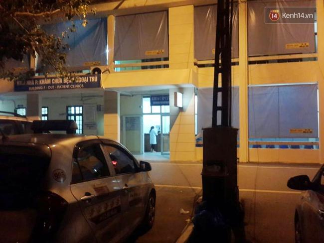 Hà Nội: Giây phút bắt sống nam thanh niên 19 tuổi cứa cổ lái xe taxi trong đêm - Ảnh 5.