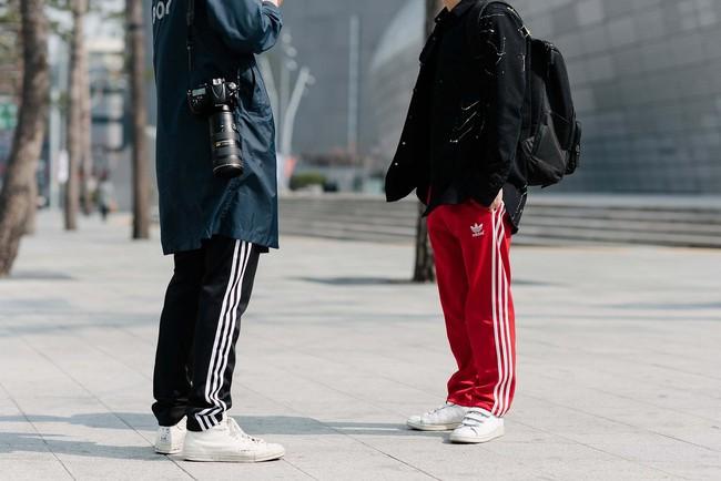 Đơn giản mà lại Nổi bật? Cứ mặc đồ đôi đồ ba cùng nhau là ai cũng phải nhìn! - Ảnh 16.