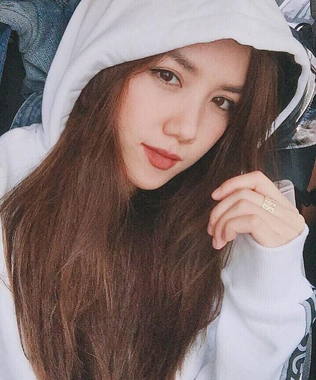 """Lục Instagram của loạt hot girl Việt tìm ra 5 màu son """"hot phá đảo"""" thời gian này"""