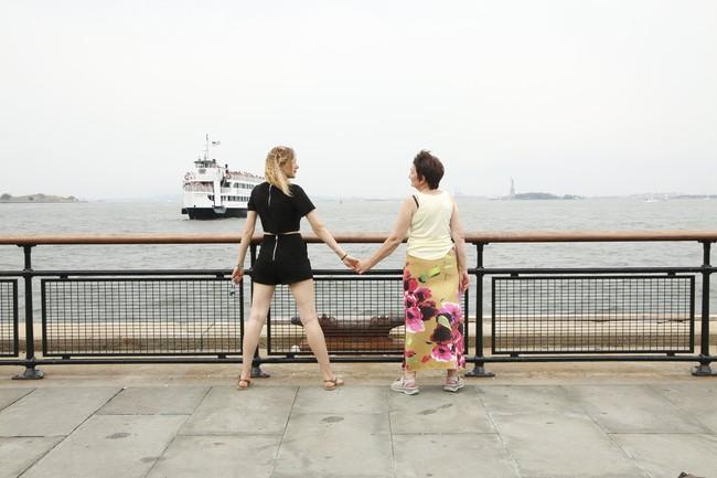 Cô gái xinh đẹp quyết định nghỉ việc để nắm tay mẹ đi khắp thế gian - Ảnh 7.
